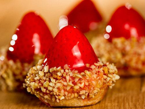 mini-torta-de-morango_villa-dos-paes__foto-leo-feltran_006jpgzPgnfISHJFsnOw4MLtEH